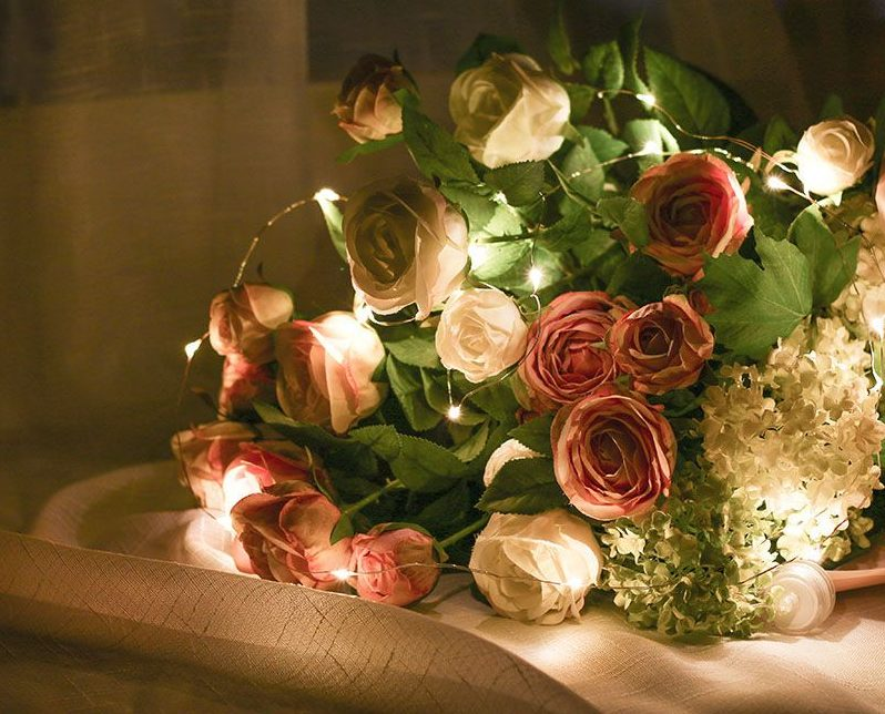 string-lights-copper-in-flowers